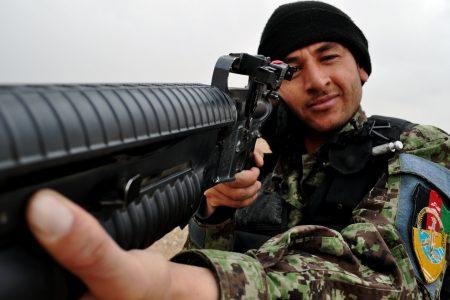 Afgański żołnierz. Fot. ResoluteSupportMedia / Flickr-CC