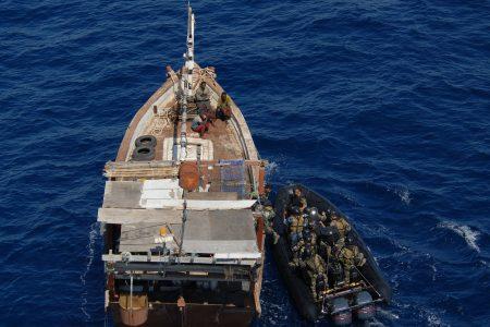 Kontrola łodzi u wybrzeży Somalii. Fot. EU Naval Force Actions / Flickr