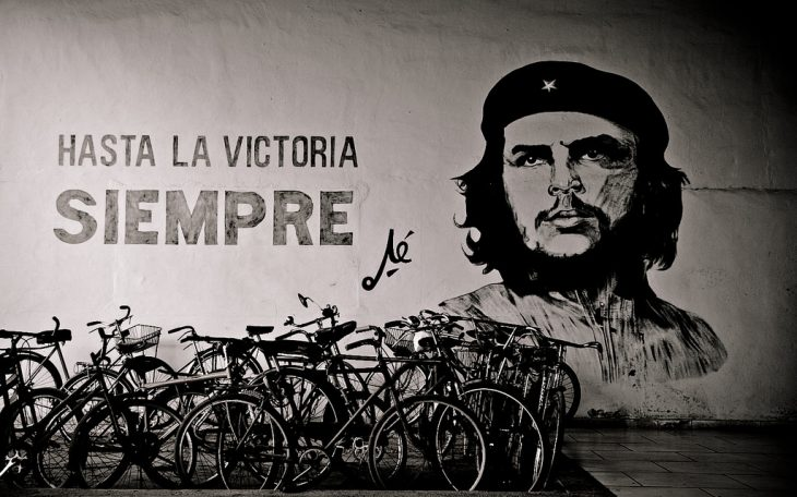 Mural przedstawiający Ernesto Guevarę, Kuba. Fot. Ramon Rosati / Flickr-CC
