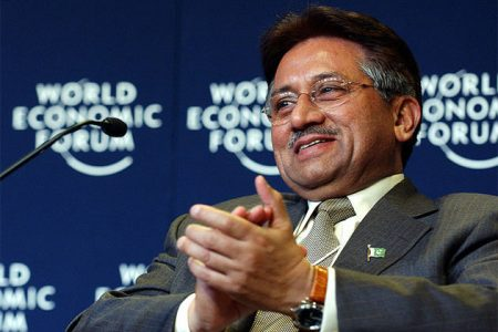 Pervez Musharraf jeszcze jako prezydent Pakistanu, rok 2004 (fot. Flickr, World Economic Forum)