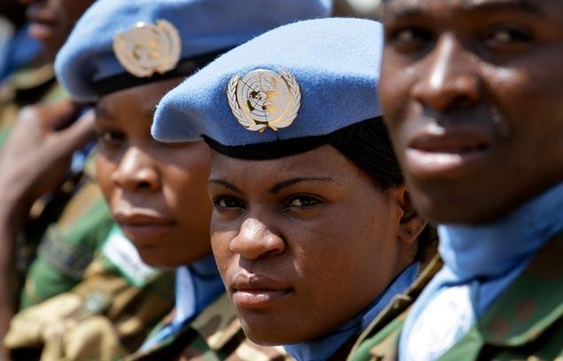 Członkowie sił pokojowych ONZ (UN Photo/Stuart Price)