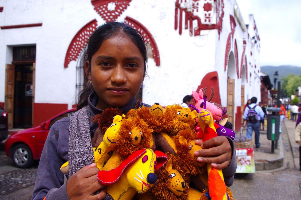 Maria, 13 lat, 13 godzin pracy, żyrafy i lwy. (fot. W.Ganczarek)