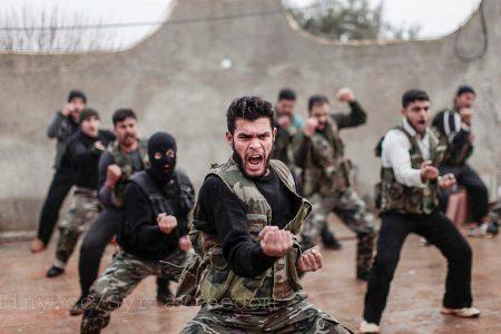 Ćwiczenia syryjskich rebeliantów (fot. Flickr: FreedomHouse / CC)
