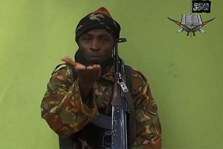 Abubakar Shekau - przywódca Boko Haram - w przesłanym mediom filmie