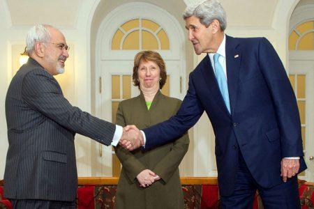 MSZ Iranu Javad Zarif, przedstawicielka UE Catherine Ashton i Sekretarz Stanu USA John Kerry podczas rozmów na temat irańskiego programu atomowego, Wiedeń 2014