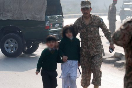 Atak na szkolę w Peszawarze, Pakistan, 2014 (fot. Flickr - Khash__fi)