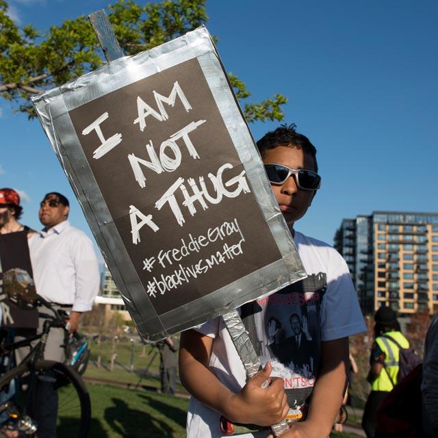 Protesty przeciw brutalności policji po śmierci Freddiego Graya (fot. Fibonacci Blue/Flickr/CC)