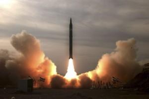 Test irańskiego pocisku balistycznego Sidżdżil-2, przeprowadzony 16 grudnia 2009 roku (Źródło: Reuters/FARS News)