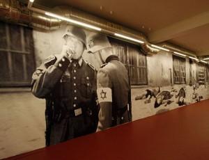 Zdjęcie z kontrowersyjnej wystawy Petera Fussa