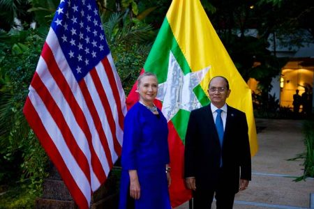 Hillary Clinton i Thein Sein (fot. State Department/William Ng, Flickr)