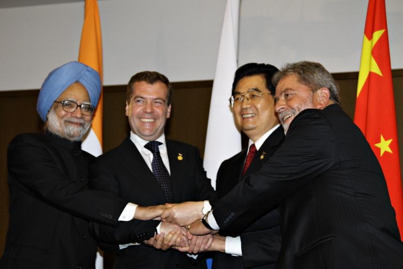 Przywódcy BRIC: M. Singh, D. Miedwiediew, Hu Jintao i Lula