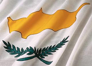 Flaga Cypru (fot. Corbis-RF)