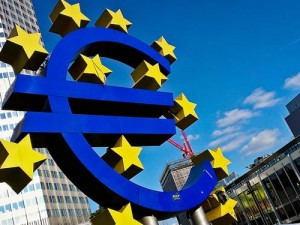 Symbol Euro, Frankfurt n. Menem (Flickr: ChrisGoldNY)