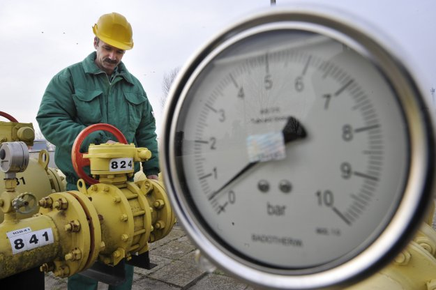 Decydując się na rozwój wydobycia gazu łupkowego w Polsce, przez długi czas będziemy musieli polegać na know-how amerykańskich inwestorów. Ale i tak powinno się to nam opłacać (Źródło: biznes.interia.pl)