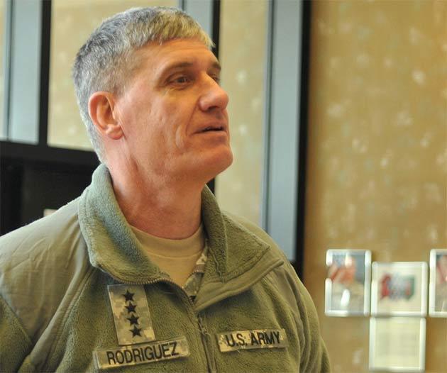 Gen D. Rodriguez (fot. Mollie Miller, 1st Infantry Division Public Affairs/ FLICKR)