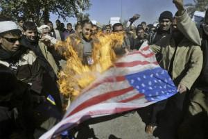 W ten sposób Irakijczycy okazują radość z przedłużającej się okupacji...