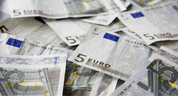 Korupcja, euro, pieniądze. SXC.hu