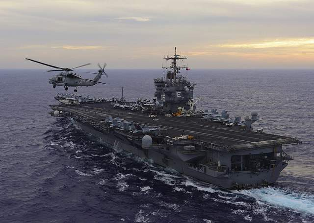 Lotniskowiec USS Enterprise (fot. Official U.S. Navy Imagery)