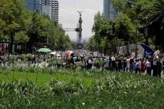 Demonstracja przeciw powrotowi PRI do władzy (Rodrigo Moctezuma Araoz) [KLIKNIJ ABY POWIĘKSZYĆ]