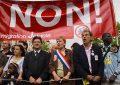 Jean-Luc Melenchon na pochodzie, trzeci z lewej (Flickr/looking4poetry)