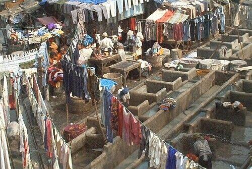 Pralnia w bombajskim slumsie