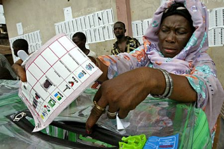 Poprzednie wybory w Nigerii (Zdjęcie: DailyMail.co.uk)