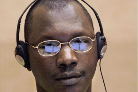 Thomas Lubanga przed Miedzynarodowym Trybunałem Karnym (theepochtimes.com)