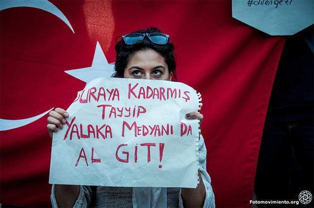 Protesty przeciw rządom premiera Recepa Erdogana w Turcji (fot. Flickr / Fotomovimiento)
